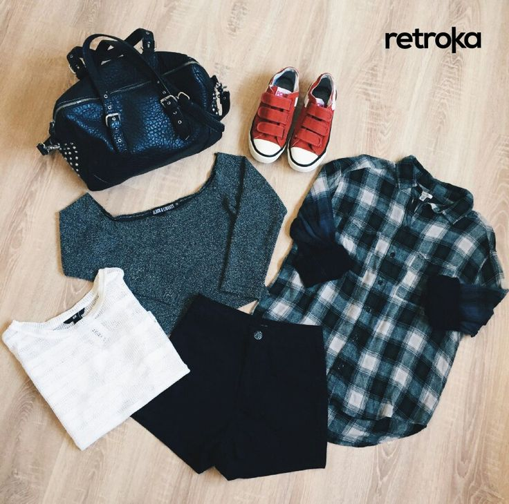 Pisá fuerte   ►Zapatillas Pony ►Remera calada H&M ►Short ►Top Black & Liberty ►Camisa Urban Outfitters ►Cartera cuerina Zara