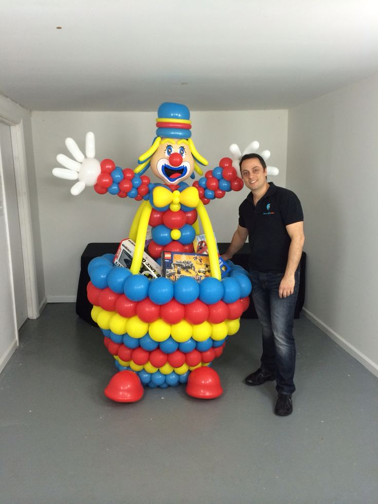 Clown balloon sculpture as gift box!