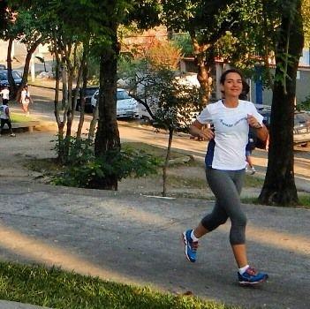 Ano passado vi que a @daniela_menezes participou do Global Running Day. Eu achei interessante e resolvi participar este ano. O #globalrunningday é um dia onde pessoas do mundo celebram a alegria da #corrida. Quer participar também? É só se cadastrar em http://ift.tt/2rAsTZW. Pode ser uma volta no bloco uma corrida longa com amigos... O importante é compartilhar a sua paixão pelo esporte e inspirar os outros a se movimentarem também!!!!! Obrigada Dani pela inspiração…