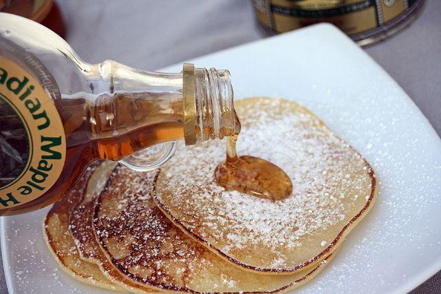 Welsh pancake (Crempog)  http://www.chezbeckyetliz.com/2013/01/welsh-pancake-crempog.html