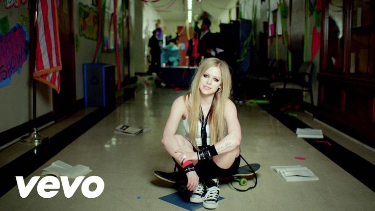 Here's To Never Growing Up Buy the album here: http://smarturl.it/avril-lavigne Follow Avril: http://www.avrillavigne.com http://youtube.com/AvrilLavigneVEVO...