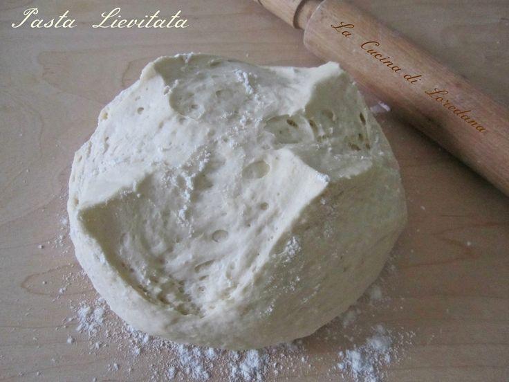 Una Pasta lievitata soffice con solo 4 grammi di lievito di birra ma assolutamente soffice e morbidissima molto più digeribile per preparare pizze e focacce