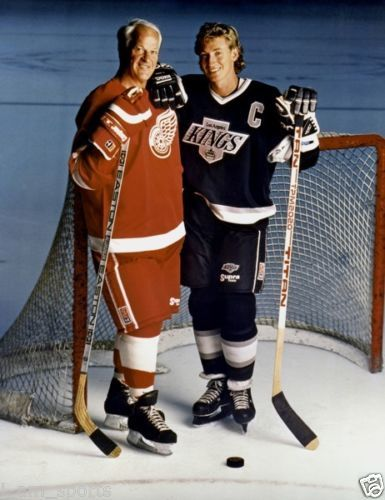 GORDIE HOWE RED WINGS AND WAYNE GRETZKY LA KINGS