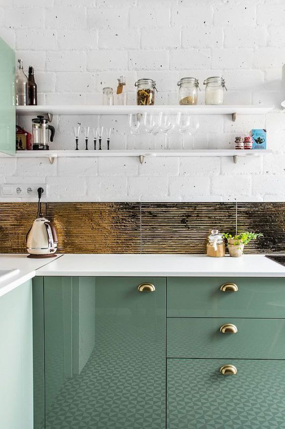 we shared this fabulous green kitchen a few weeks ago, and now i just can't stop seeing green. green kitchens appear to be all the rage, and i wondered if it might have to do with all the healthy eati
