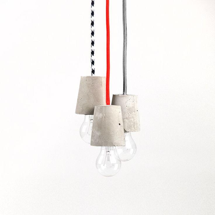 WE MAKE STUFF Mini Me - Betonfassung und Textilkabel - eine Form, die aufs Minimum reduziert ist - kurz: Mini Me von WE MAKE STUFF. Jede einzelne Fassung wird von Hand gegossen und nach dem Aushärten bewusst roh belassen. So behält der Beton seine Natürlichkeit. Das Ergebnis: eine Leuchte, die trotz ihrer puristischen Form wunderbar sinnlich wirkt. Die Länge des Kabels beträgt 1,50 m. Die Lampenfassung ist E27.