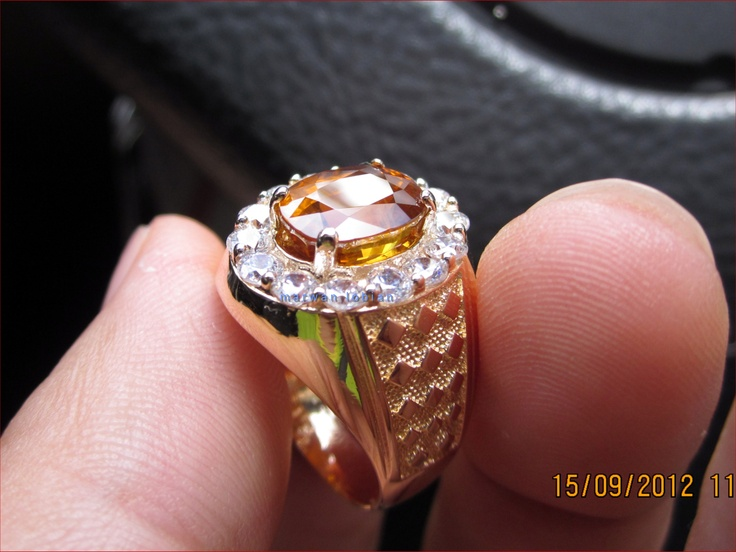 Yellow Sapphire 3.57 Cts - 9.47 x 7.18 x 5.25mm  Gold 22K Ring    www.facebook.com/marwanlobian