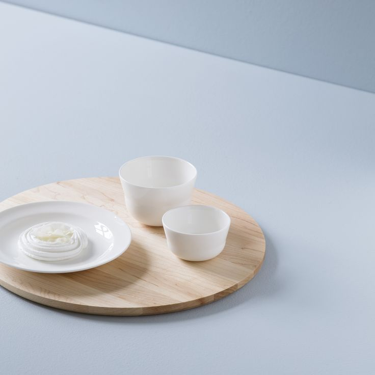 Layered together with the minimalist tableware and steel elements, the simple wooden boards create a warm, vibrant contrast, whenever you are serving mouth-watering delicacies to visitors.