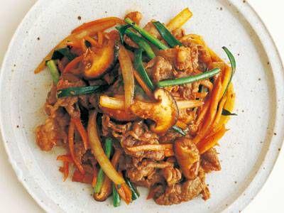 コウ ケンテツ さんのにんじんを使った「コチュジャンプルコギ」。定番をコチュジャン風味で!濃厚なコクとじんわりした辛さが味わえます。 NHK「きょうの料理」で放送された料理レシピや献立が満載。