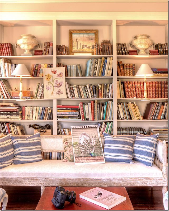 The other living room – with Gatewood's favorite colors – red, white and blue.