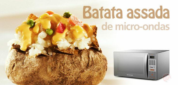 Que tal utilizar o micro-ondas para algo além de aquecer comida e estourar pipoca? Separamos para quem não tem muito tempo, uma receita de batata recheada (pra uma pessoa) que fica pronta em 12 minutos! CONFIRA: http://on.fb.me/1cV9BNf