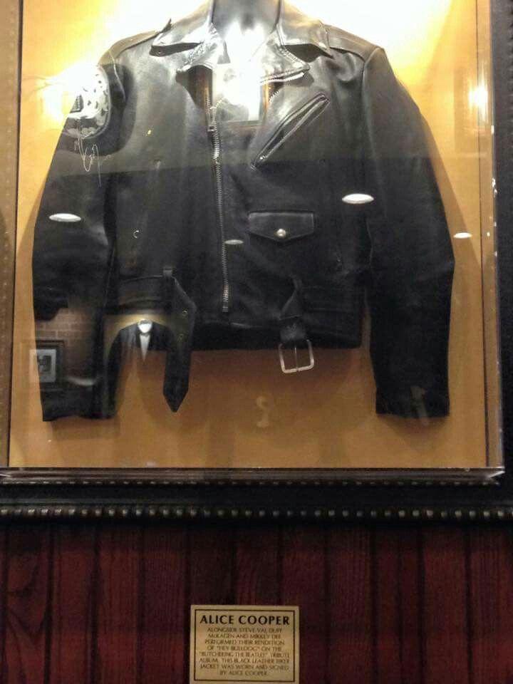 alice cooper 39 s jacket hard rock cafe indianapolis music life pinterest alice cooper. Black Bedroom Furniture Sets. Home Design Ideas