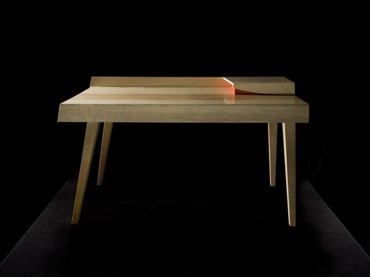 The original Glissade desk in Ash.