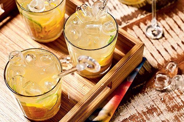 Caipirinha de caju com limão (Foto: Ricardo Corrêa/Casa e Comida)