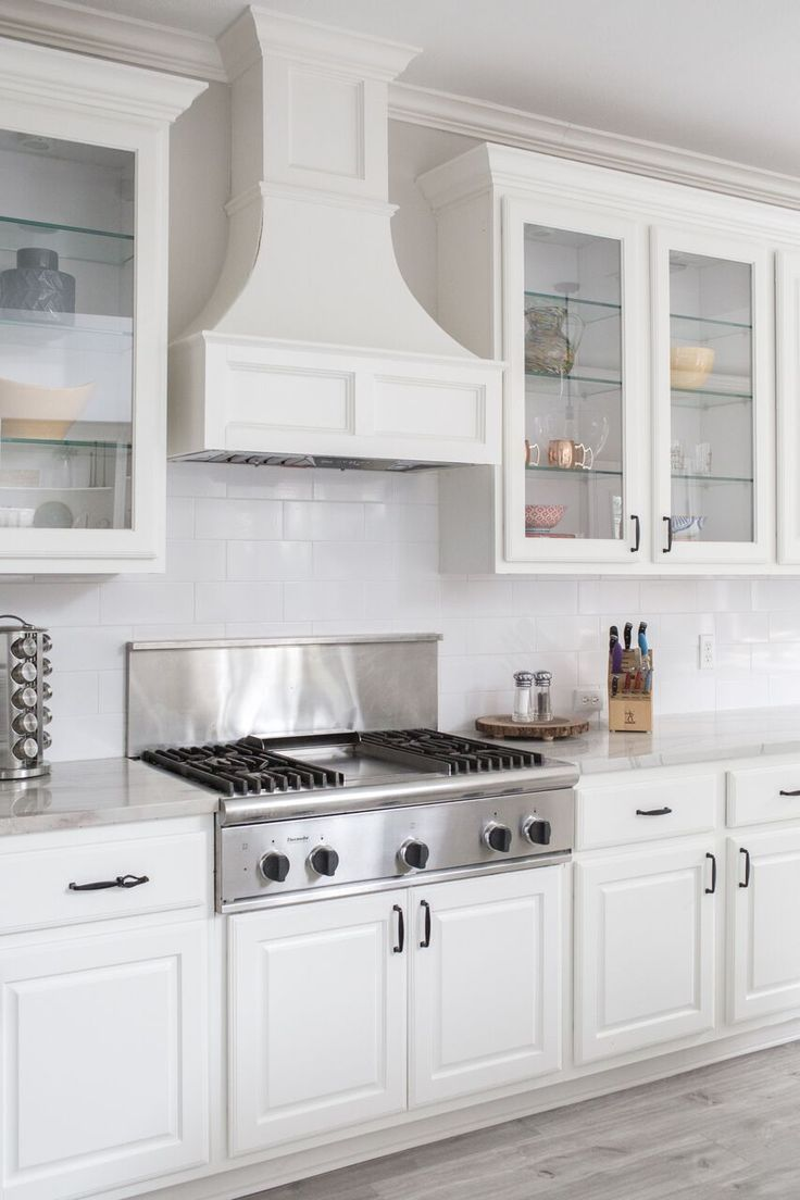 Clear Cabinets For The Win Kitchen Remodel Design Small Cottage Kitchen Interior Design Kitchen