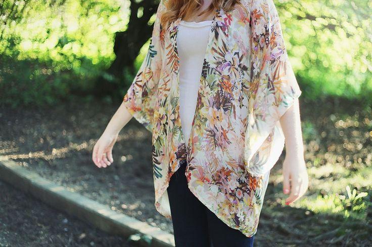 Feel fancy in your DIY kimono aka the perfect light fall layer.