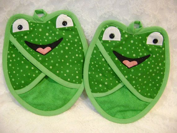 Frog Potholders Green Frogs Frog Hot Pads by VernieLeeDesigns
