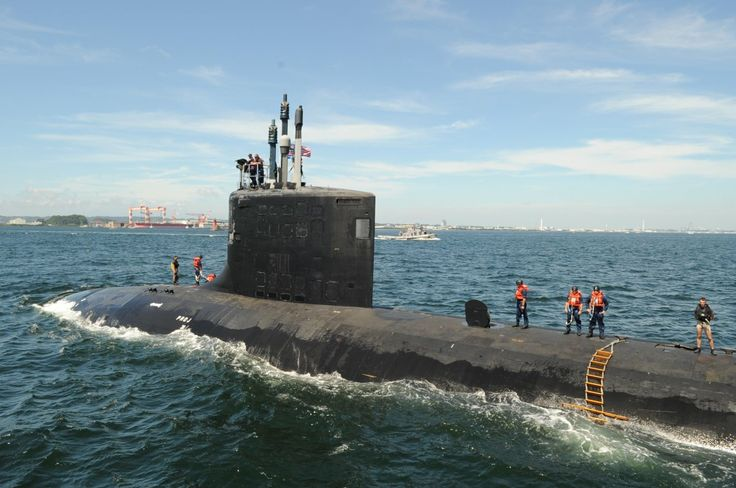 Virginia Class Submarine | Virginia-class submarines carry a crew of about 130 sailors ...