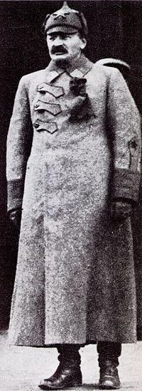 Lev Trotsky, 1918.