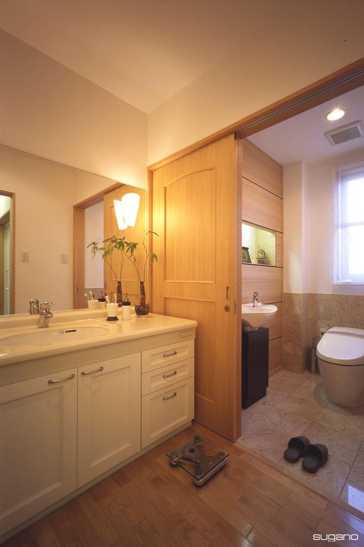 洗面室にトイレを設けました。#新築住宅 #家づくり #住宅 #洗面 #洗面室 #トイレ #便所 #水廻り #設計事務所 #菅野企画設計