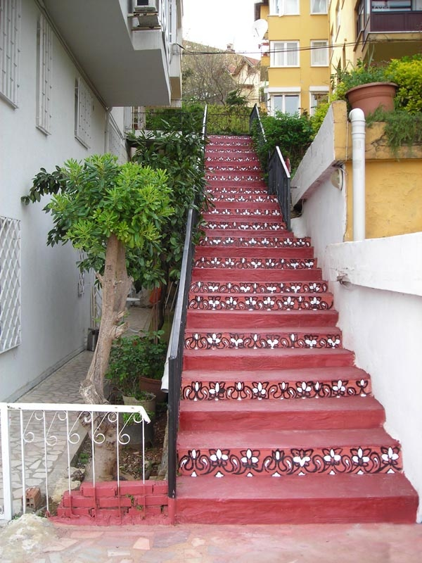 From on going works at the stairs...http://www.istinye.me/gardens/homestairs.html
