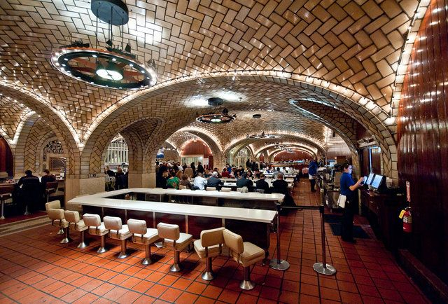 The 11 Best 100-Year-Old Restaurants in New York City
