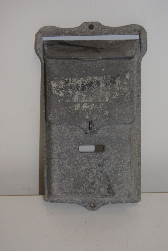 VINTAGE CAST ALUMINUM WALL MOUNT LOCKABLE MAILBOX  #Unbranded