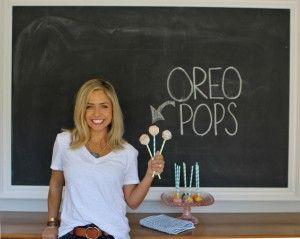Easy Oreo Cake Pops (no bake) - eat - Little Miss Momma