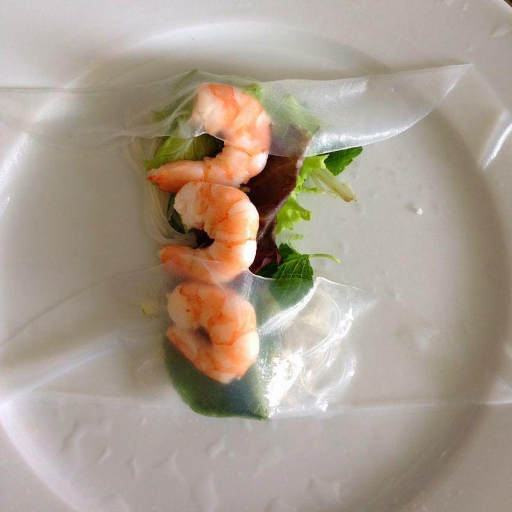 La cantine favorite de ma copine Jo'  c'est le Hoa Sen , restaurant vietnamien à la Rue Clos-de-Bulle 5 (téléphone : 021 323 55 40). La ...