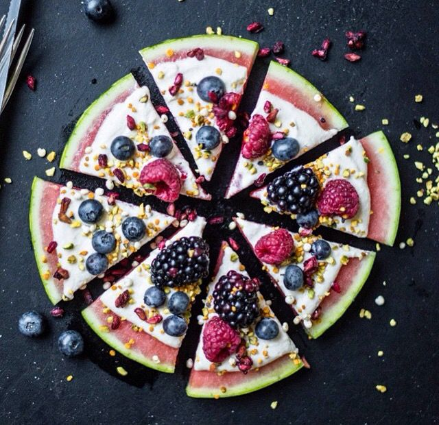 Watermelon pizza with cashew-honey cream and fresh berries. A perfect and refreshing snack for summer! Cashew-honey cream: 1-2 tbsp cashews, 2 tsp honey, 2 tbsp yogurt of choice, 1 tsp peanut butter, some vanilla extract. Add berries on top. @nadiadamaso_ (fruit pizza recipes peanut butter)