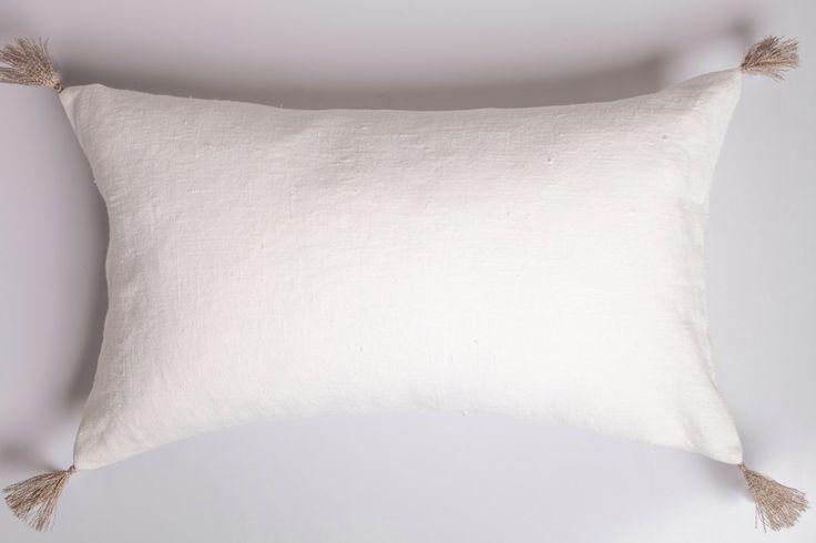 White linen pillow with tassels / tassel cussions / tassel pillow / white linen cushion / stonewashed linen cushion / linen pillow /lumodeco by LUMODECO on Etsy https://www.etsy.com/listing/503877105/white-linen-pillow-with-tassels-tassel