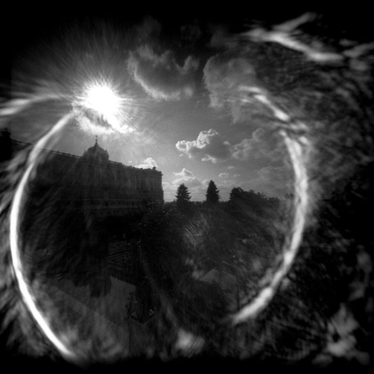 Shiny Palace :PinHole: by *alemonio