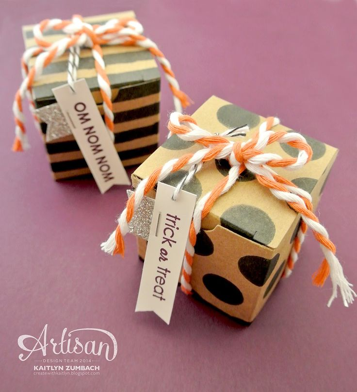 The Tiny Treat Boxes are even more adorable when you add some polka dots and stripes! -Kaitlyn Zumbach