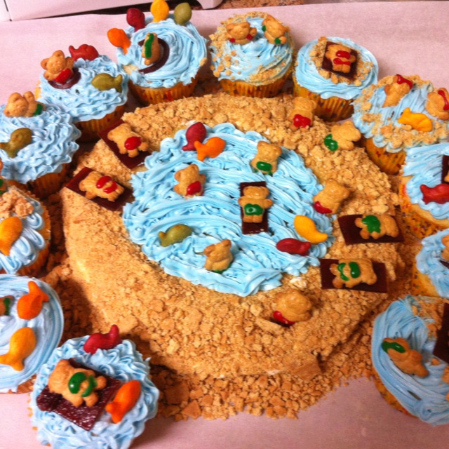 Teddy graham beach party! As much to make as it is to eat! - Kristen