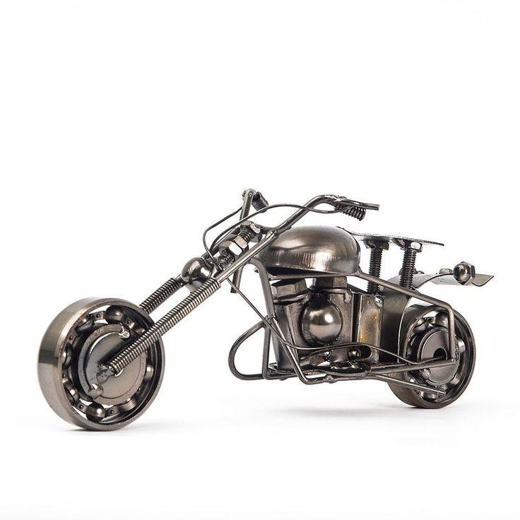 Miniatura Moto Chopper Metálica para colecionar. Acesse nossa loja e veja a linha completa de miniaturas de moto. Preços Incríveis, parcelamos em até 10x.