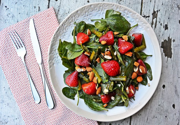 Roasted Strawberry and Asparagus Salad features two perfect spring-into-summer superfoods which each add plenty of vitamins, antioxidants, and low-calorie fiber to your meal - plus create a colorful & appetizing dish.