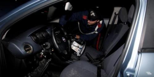 Campania: Si #aggiravano per le strade dellarea nord con una pistola nascosta sotto il sedile (link: http://ift.tt/2cmXlMz )