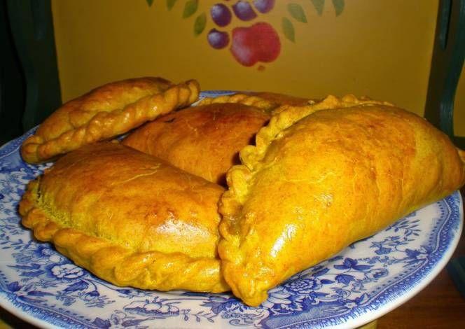 Empanadillas jamaicanas de calabaza (sunshine patties)