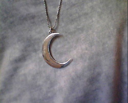 prettyyyy: Buses, Cheshire Cat, Wild At Heart, Artemis, Hair, Crescents Moon, Moon Jewelry, The Moon, Moon Necklaces