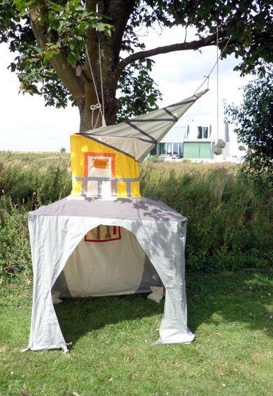 Havenkraan, speeltent van Hanging Houses voor het Bollekesfeest in Antwerpen http://shop.hanginghouses.com