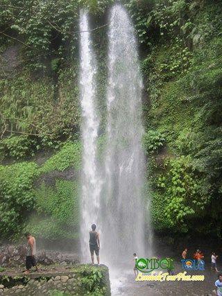 Air terjun Sendang Gile yang kaya akan keindahan alam yang menakjubkan . ayooo berkunjung ke Sendang Gila Lombok bersama Lombok Tour plus