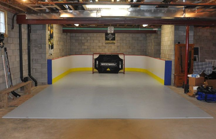 What I wouldn't give to put a hockey rink in the basement for Brayden to practice on, Red Wing starting line here he comes! :)