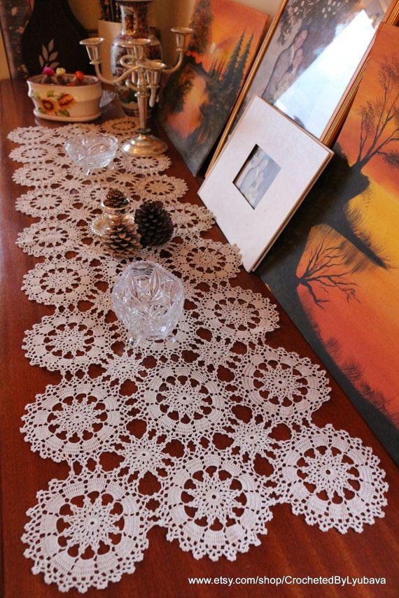 Uzun dantel masa örtüsü