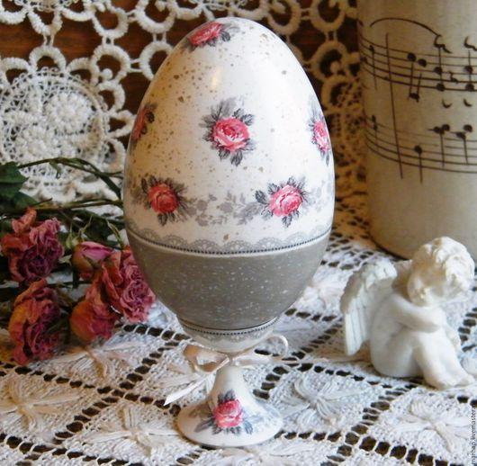 Интерьерное пасхальное яйцо яичко декупаж яйцо на подставке ручная работа купить в москве подарки на пасху бежевый розы Green Gate пасхальный сувенир