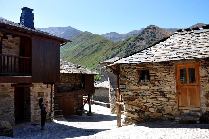 Pueblos bonitos de España: Peñalba de Santiago (León) | Los apuntes del viajero