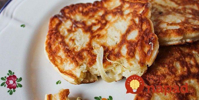 Namiesto klasických zemiakových placiek, vyskúšajte vynikajúcu a omnoho diétnejšiu alternatívu – placky z kyslej kapusty. Sú vynikajúce a môžete si ich dopriať dosýta.