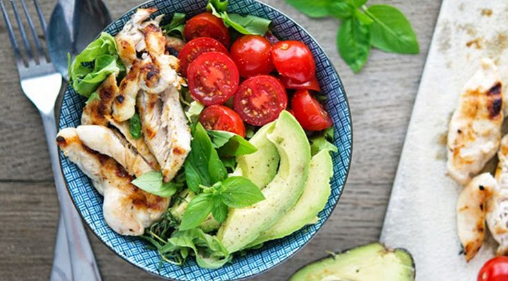 Les bonnes portions lors d'un repas : manger bien, faire du sport sont excellents pour la santé. Mais parfois malgré nos efforts, la perte de poids se fait attendre. La clé peut simplement être les quantités mangées lors d'un repas. Avez-vous une notion correcte des portions à manger ? On vous donne toutes les indications juste ici.
