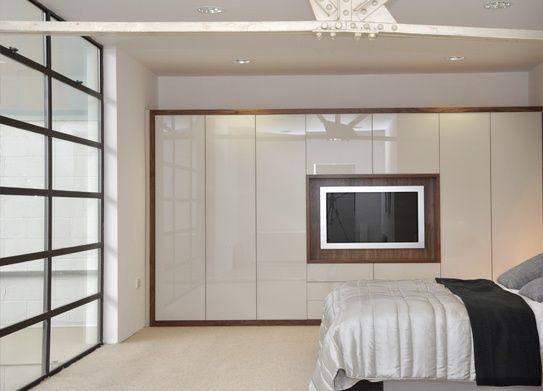 Resultado de imagen de fitted wardrobes bedroom tv
