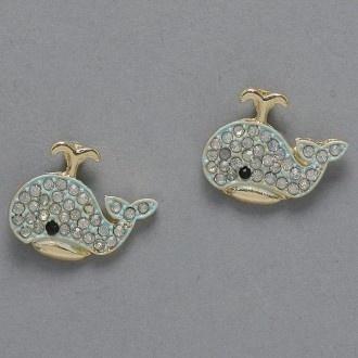 Whale earrings… ADORABLE!
