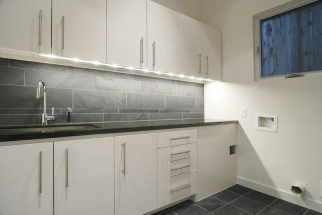 Modern laundry tile splash back laundry pinterest tile and modern - Glass splashbacks usa ...