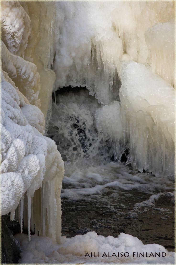 Frozen waterfall, Vanhankaupunginkoski Helsinki Photo Aili Alaiso